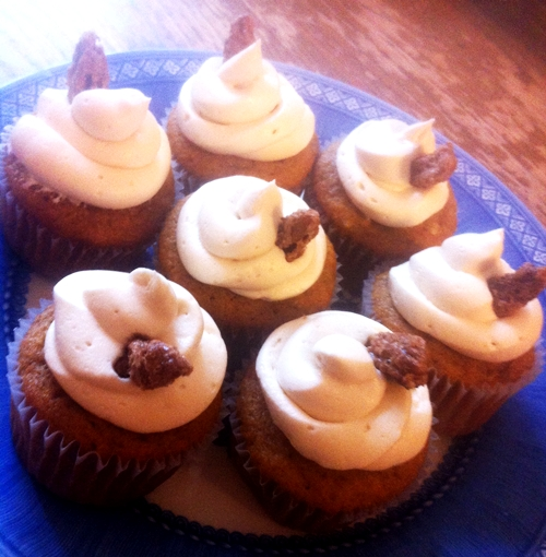 Sweet Potato Cupcakes with Brown Sugar Cream Cheese Frosting & Candied ...